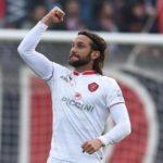 Se accetta l'offerta, Rolando Bianchi può partire subito, ma dovrebbe accettare di scendere in Lega Pro…